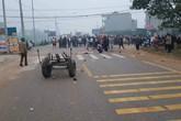 Tai nạn thảm khốc: Xe khách đâm vào đoàn đưa tang, khiến 7 người tử vong