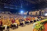 Đại lễ Vesak: Hàng vạn Phật tử đổ về tham dự khiến mọi ngả đường tắc nghẽn từ sáng sớm