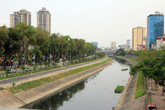 Sông Tô Lịch bắt đầu được làm sạch, cư dân Thủ đô thoả mãn sự mong mỏi