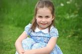 Vẻ xinh đẹp như thiên thần của công chúa Charlotte trong lần sinh nhật thứ 4 khiến ai cũng muốn yêu