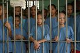 Xót xa những đứa trẻ sống mòn trong các nhà tù Philippines
