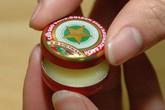 Sốc với giá dầu cù là ở Việt Nam được đưa ra bán ở nước ngoài: Gấp 115 lần