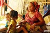 Bi kịch những đứa trẻ mang bệnh suốt đời từ hôn nhân cận huyết