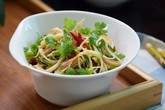 Món salad mát giòn vừa giúp giảm cân lại tăng collagen cho da thêm tươi trẻ, các mẹ thử chưa?