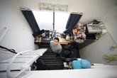 Kiểu phòng trọ siêu nhỏ, bàn ghế đã chiếm 1/3 diện tích nhưng vẫn đầy đủ tiện nghi ở Nhật