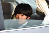 Kẻ đặt dao ở ngăn bàn học muốn đâm hoàng tử Nhật Bản