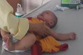 Bác sĩ tiếc nuối khi cắt buồng trứng bé 6 tháng tuổi chỉ vì sai lầm này của bố mẹ