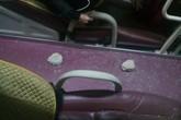 """Xe khách hứng """"mưa"""" gạch, 1 người phụ nữ bị thương"""