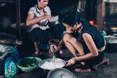 Vợ cũ Huy Khánh tiếp tục gây tranh cãi khi dạy dỗ H'Hen Niê: 'Tươm tất chỉn chu không nhất thiết phải mang giày hiệu 30 triệu đồng đâu'