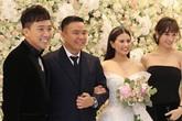 """Trấn Thành đưa Hari Won tới mừng hạnh phúc người anh """"trăm tỷ"""", làm MC tiệc cưới không công"""