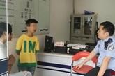 Cậu bé 11 tuổi xin cảnh sát cho dọn khỏi nhà vì mẹ bắt học nhiều