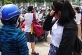 Nữ sinh ven Sài Gòn bật khóc sau giờ thi Toán lớp 10