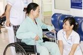 Người bệnh ngạc nhiên vì được mời lên bệnh viện để được bác sĩ... cảm ơn