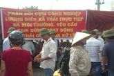 Hải Dương: Nghi vấn DN xả thải ra môi trường, hàng trăm người dân căng băng rôn phản đối