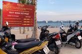 Bãi Cháy - Ngại đi 200m, khách du lịch biến đường ven biển thành bãi đậu xe