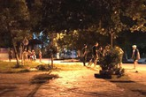 Nam thanh niên cầm hung khí chém hàng xóm nguy kịch trong đêm