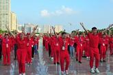 Màn đồng diễn nhảy chachacha của 1500 tình nguyện viên hiến máu