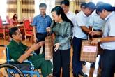 Bộ trưởng Bộ Y tế thăm và tặng quà các thương, bệnh binh nhân kỷ niệm ngày 27/7