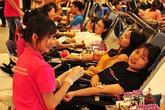 Muôn vẻ tâm trạng của các cô gái khi tham gia hiến máu