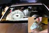 Xe Mercedes bị ném đá vỡ kính khi đang lưu thông trên cao tốc Hà Nội – Thái Nguyên