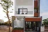 Chủ nhà Quảng Bình giữ lại cây tường vi 10 năm mọc giữa nhà khi xây mới