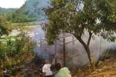 Sơn La: Nghịch dại, một ngôi nhà sàn bị thiêu rụi