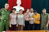 Vinh danh 3 người phụ nữ nghèo ở Hà Tĩnh nhặt được gần 50 triệu đồng tìm người trả lại