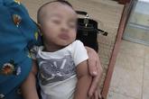 Bé trai bụ bẫm bị bỏ rơi giữa đường kèm phong bì 1 triệu đồng nhờ người nuôi giúp
