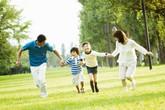 """Con sẽ luôn khỏe mạnh, thông minh nếu được """"tận hưởng"""" những điều này từ gia đình"""