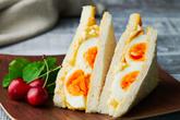 Bữa sáng ngon lành với bánh mì sandwich trứng kiểu mới