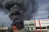 Bắc Giang: Hoả hoạn thiêu rụi siêu thị 90K lúc sáng sớm