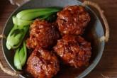 Bé lười ăn thịt, hãy làm ngay món thịt viên rim mặn ngọt đảm bảo không bé nào chê!