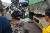 Ô tô tải và xe kéo rơ moóc đối đầu trên QL6 khiến một tài xế tử vong