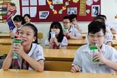 Hơn 1 triệu trẻ mẫu giáo và học sinh tiểu học toàn thành phố Hà Nội tham gia chương trình Sữa học đường, đạt tỷ lệ 87,7%