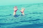 Bé trai 7 tuổi tử vong thương tâm tại bể bơi