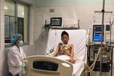 Thiếu niên 17 tuổi nặng 30 kg được ghép phổi với chi phí 5 tỷ đồng