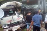 Tai nạn nghiêm trọng tại Phú Thọ: Xe khách va chạm xe tải, gần 10 người nhập viện cấp cứu