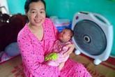 Nước mắt người phụ nữ có con sau 11 năm chiến đấu với ung thư máu