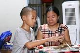 Người mẹ đơn thân cụt chân, nuôi con trai khờ ở túp lều ven đường