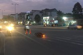 Xe máy bốc cháy ngùn ngụt khi tông nhau trực diện, 2 người bị thương nặng