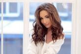 Người đẹp Nga chết lõa thể với vết cắt trên cổ, nghi do bị đánh ghen