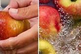 8 loại thực phẩm quen thuộc bạn vẫn rửa sai cách mà chẳng hay biết