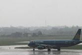 Nhiều chuyến bay đến miền Trung bị hủy do bão