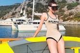 Hồ Ngọc Hà đăng ảnh bikini gợi cảm, đáp trả khi bị mỉa mai thích khoe khoang