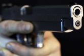 Nghịch súng, bảo vệ cơ sở cai nghiện bắn đồng nghiệp nguy kịch