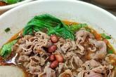 Phở chua và những món ăn lạ vị hút khách ở TP.HCM