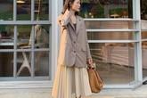 Chân váy midi dễ mặc, nhưng bạn sẽ xinh tươi sành điệu nhất khi áp dụng 4 công thức sau