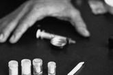 Hiệu phó trường tiểu học xin nghỉ việc đi cai nghiện ma túy