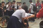 Bộ GD-ĐT chỉ đạo xử lý nghiêm vụ nữ sinh đánh nhau vì... màu đôi giày