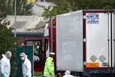 Quá trình nhận dạng 39 người chết trong thùng xe tải tại Anh diễn ra thế nào?